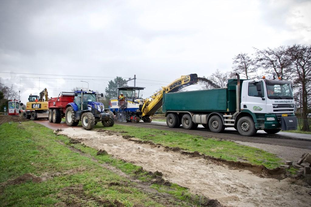 Het asfalt wordt verwijderd. Foto: STiP Fotografie © Uitkijkpost Media B.v.