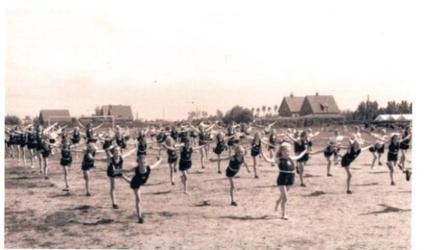 Gymnastiekvereniging Doves op het voormalig Melcoterrein. (Foto: Archief Historische Vereniging Heiloo)