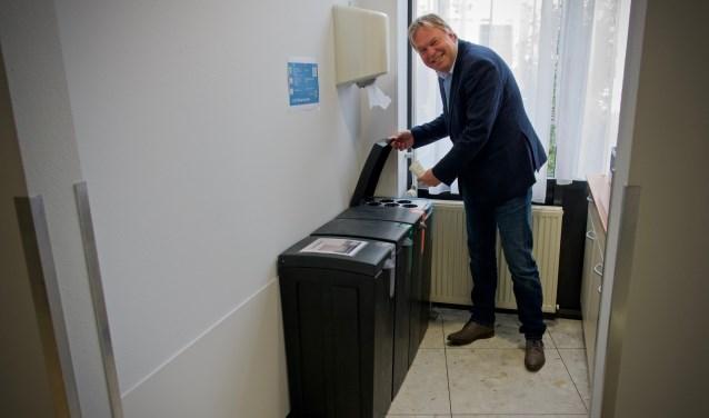 Ook op het gemeentehuis doet men aan afvalscheiding.