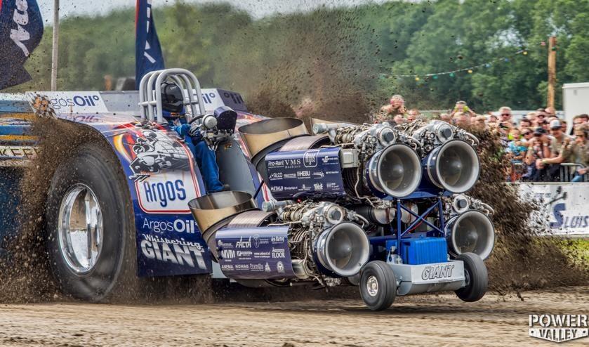De tractor van Bas en zijn team