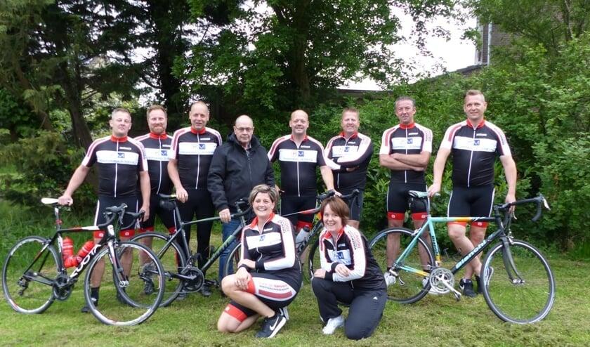 Team Nico fietst voor onderzoek naar de ziekte van Alzheimer.