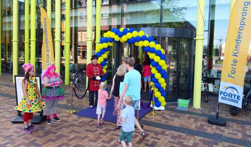 Samen met de Forte kinderen en ouders vierde de kinderopvangorganisatie haar 50-jarig jubileum.