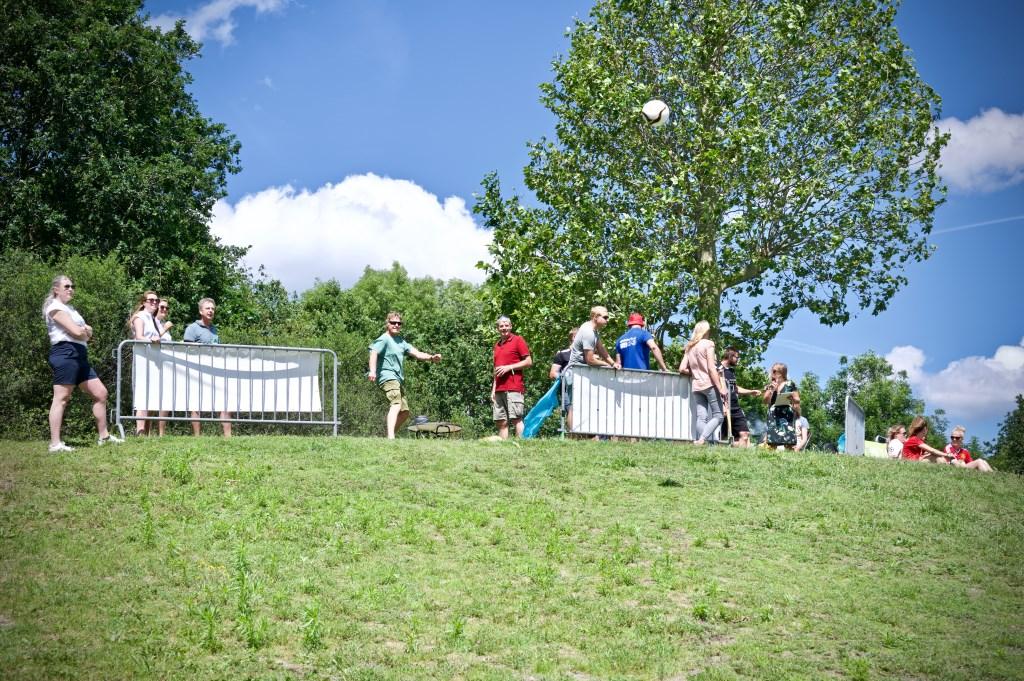 Van de sleeheuvel afschieten bleek toch iets moeilijker dan verwacht. Foto: STiP Fotografie © Uitkijkpost Media B.v.