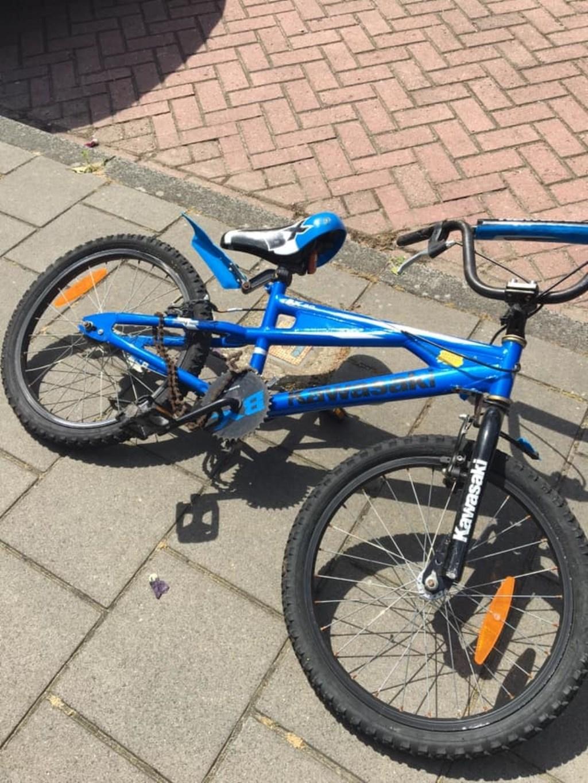 De fiets was zwaar toegetakeld. Foto: Debbie Winterberg © Uitkijkpost Media B.v.