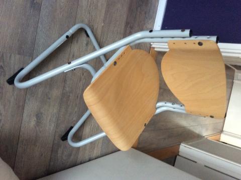 Bureau Met Stoel : Stevige kinder bureau stoel marktplein
