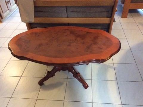 Ovale mahonie houten tafel marktplein