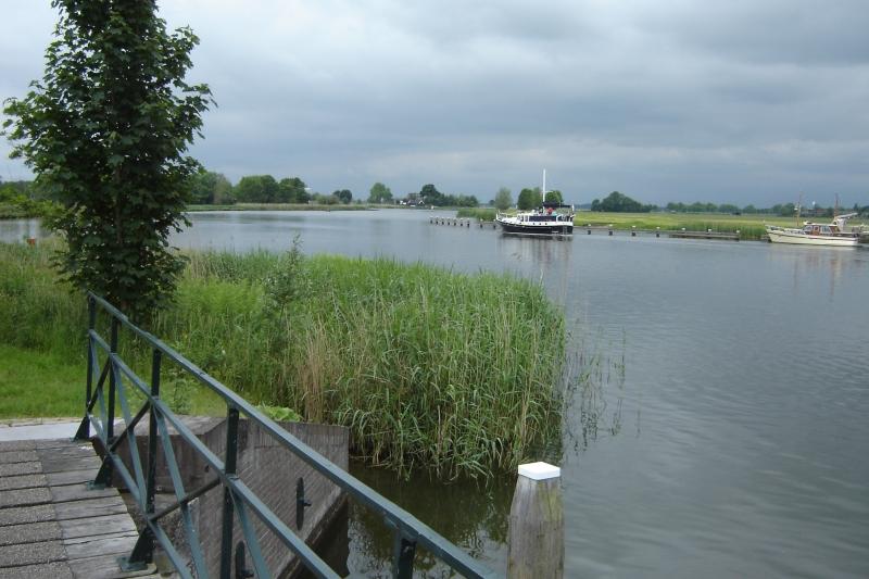 Het polderwater wordt via de duiker afgevoerd naar de Vecht  © Enter Media