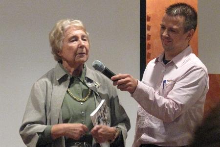 Jenny Hertzberger bij de presentatie van haar boek in 2009