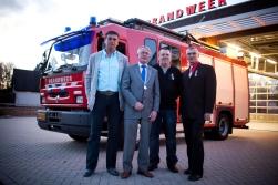 De gedecoreerden. V.l.n.r: Eddy Denekamp, burgemeester Bart Horseling, Hans Duijnmaijer en Piet Abcouwer.