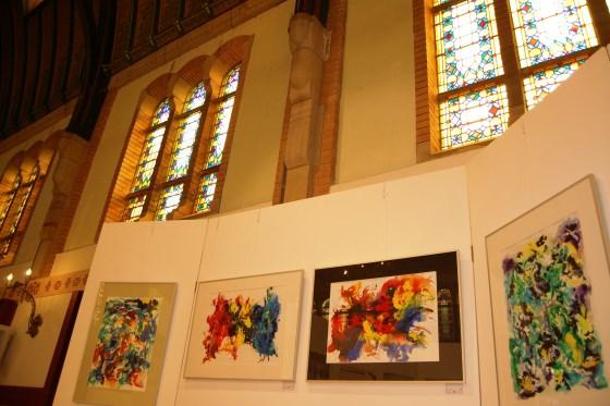 Glas-in-lood geeft de kunst in de Van Houtenkerk extra sfeer   © Enter Media