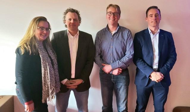 Dimphy van Vilsteren, Jacco van de Ruit, Rob van Midden en centrummanager Kjeld Vosjan.