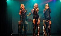 Wie volgt Mia, Anna en Emma de Bruijn op als winnaar van de E-Factor?