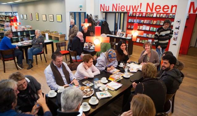 Onlangs startte een taalcafé in Eemnes en Laren had er al een.