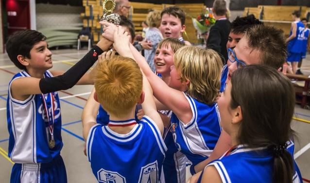Archief: huldiging jonge basketballers in 2016.