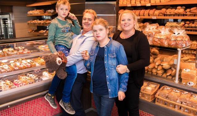 Tot en met eind oktober is de bakkerij nog van de familie Kromhout.