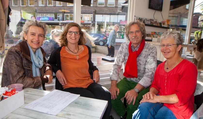 Vrijwilligers Petra Olgers, Lidwien van de Ven, Philip Leenman en Neeltje Veken.