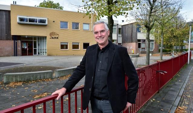 Rob Dekker, directeur van basisschool De Ark, werkt al 36 jaar bij de school.