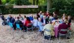 Eerder dit jaar verzorgden de bewoners een ontbijt in een van de tuinen pal langs de snelweg.