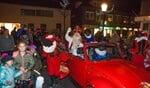 Vorig jaar kwam Sint in een rode kever aan.