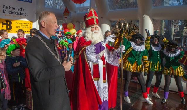 Groot feest: Sinterklaas weer naar Bussum