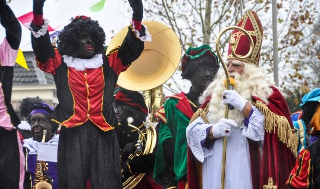 Duizenden Weespers verwelkomen Sinterklaas