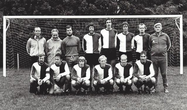 Het tweede elftal van SDO in 1976.