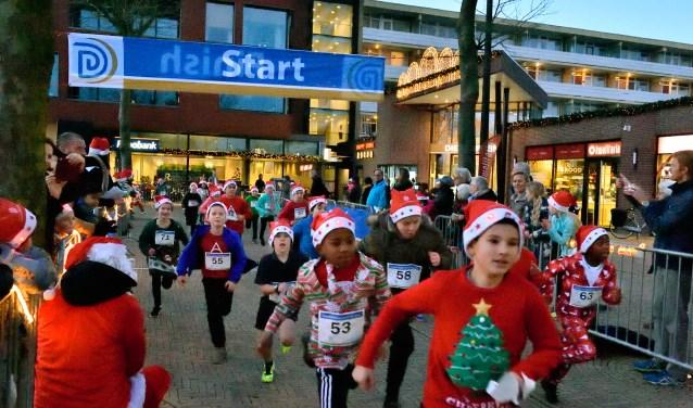 Santa Run en Rollator Run vrijdag op Diemerplein