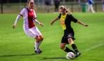 Weer oefenen tegen een betere tegenstander. In september speelde 't Gooi nog tegen de Ajax-vrouwen.