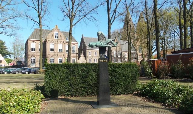 Het monument op de Brink.