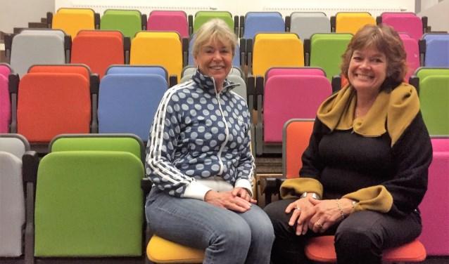 Rita Hausel en Ellen Brakel in het Theater van het Brinkhuis.