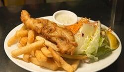 Een simpel gebakken visje met friet wil Kroon in een vispaviljoen in de Oude Haven serveren.