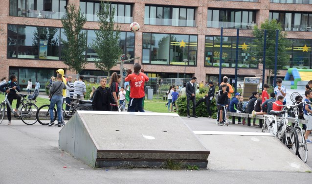 IJburg is een jonge wijk en is ook een wijk met een normale afspiegeling van de bevolking zoals die in de hele stad te zien is.