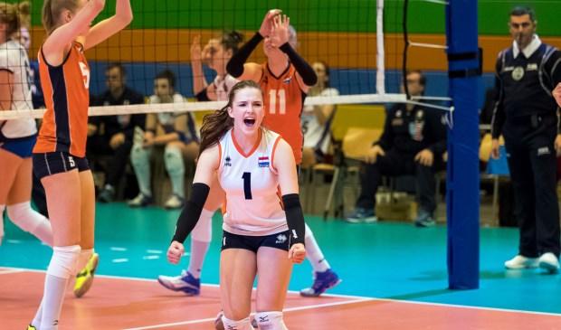 Susanne Kos met nummer 1 bij Jeugd Oranje Under 18.