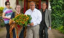 Na afloop van de bijeenkomst werden er bloemen neergelegd op het terrein van Patria.