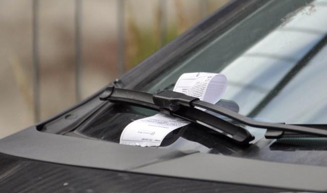 Controles op foutparkeren bij scholen