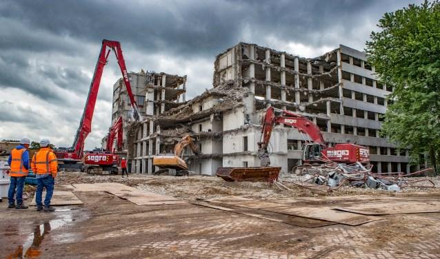 Deal over bouw torens en woningen Lucent