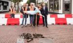Marijke Helwegen, koningin van de facelift, gaf de aftrap.
