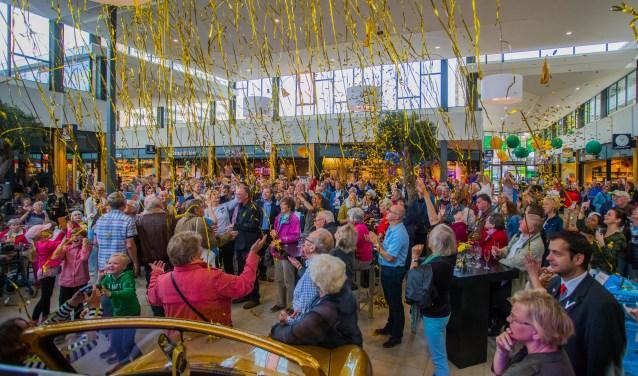 Op 12 mei was de opening van het nieuwe winkelcentrum.