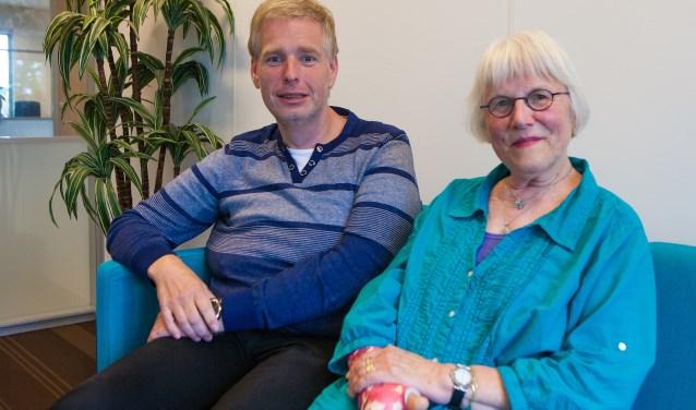 De taalambassadeurs Dicky Gingnagel (links) en Graddie Jansen-van Leeuwen.
