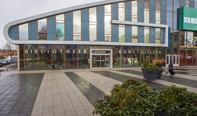 Bibliotheek blijft in Graaf Wichman