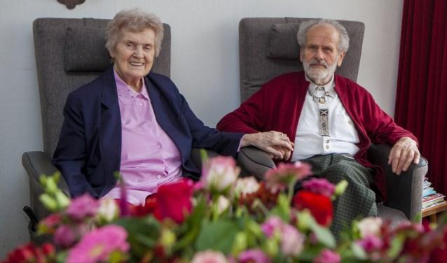 Susanne en Frans van Dinteren kregen vandaag bezoek voor hun 60-jarig huwelijk.