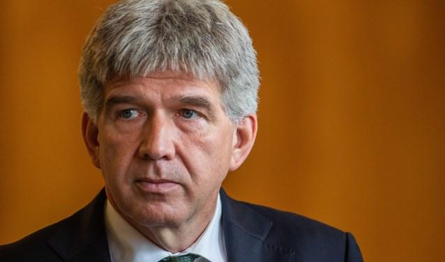 Bijval van D66 voor wethouder Wimar Jaeger, terwijl de PvdA hem verwijt een helikopterouder te zijn.