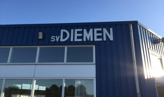 SV Diemen neemt binnenkort een besluit over het rookbeleid bij de club.