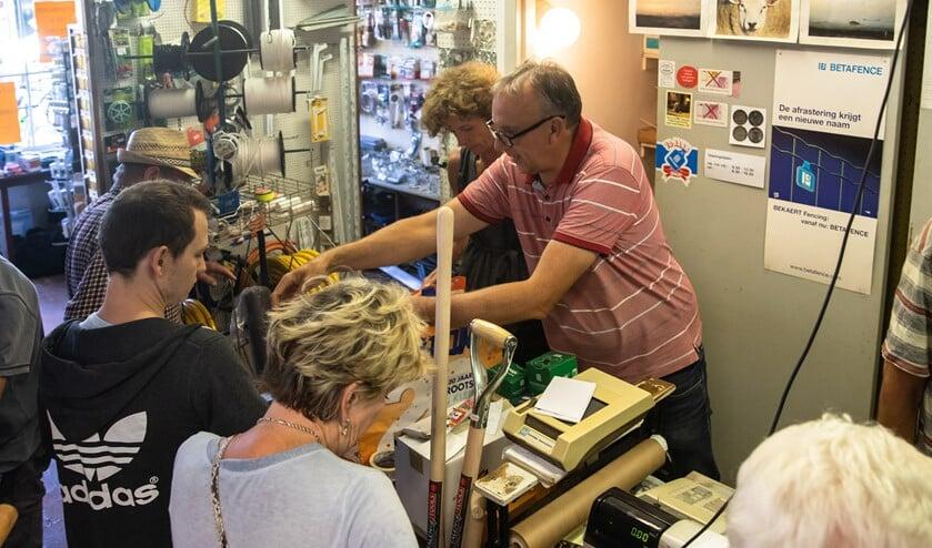 Eind juni hield de familie al een uitverkoop in de winkel van Jaap Eek.