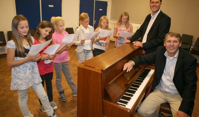 Nico Schimmel, hier zitten achter de piano, wordt de opvolger van Marieke Munneke Smeets.