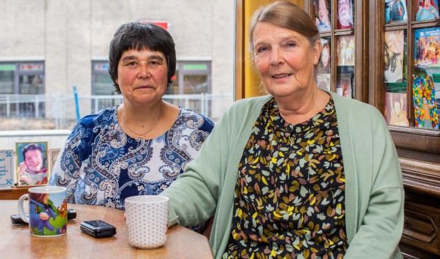 Ria de Jong en Petra Scheffer: 'Onduidelijk is waar je als mantelzorger hulp kunt krijgen.'