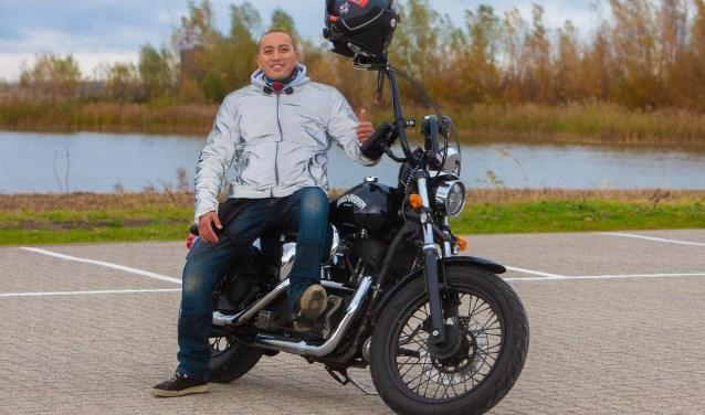 Organisator Robbert Kuypers rijdt zelf ook al weer een aantal jaren op een Harley-Davidson.