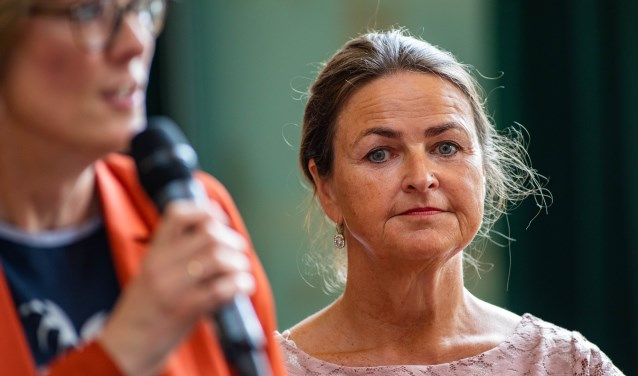 Naast Karin Walters (links) was Angelika Pelsink de tweede wethouder namens Hart voor Hilversum.