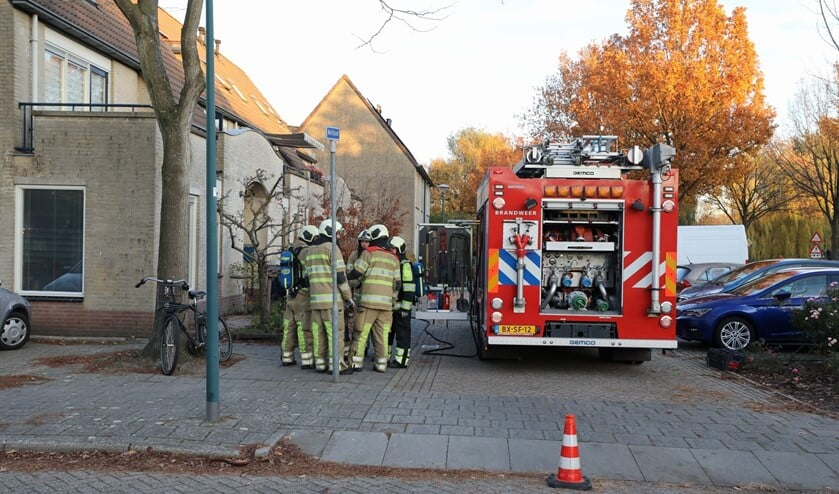Brandweeroverleg over het gaslek aan het Melkpad.