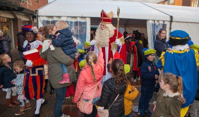 Net als vorig jaar, zal Sint na zijn aankomst in de Oostermeent naar de tent gaan op het plein.